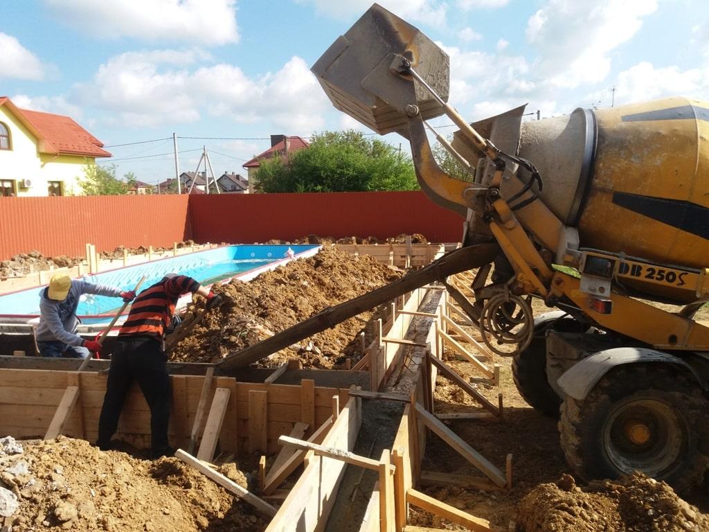 будівництво басейну